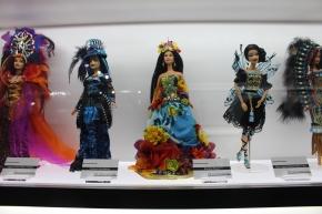 Expo Barbie Montréal Signé S